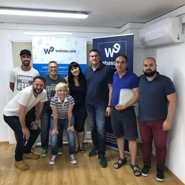 Grupo de alumnos y profesores de Webescuela